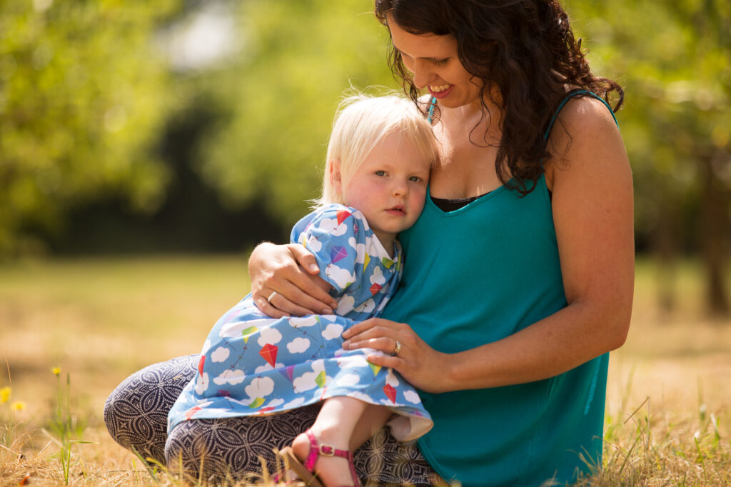 Mother and daughter by Surrey photographer Rachel Thornhill