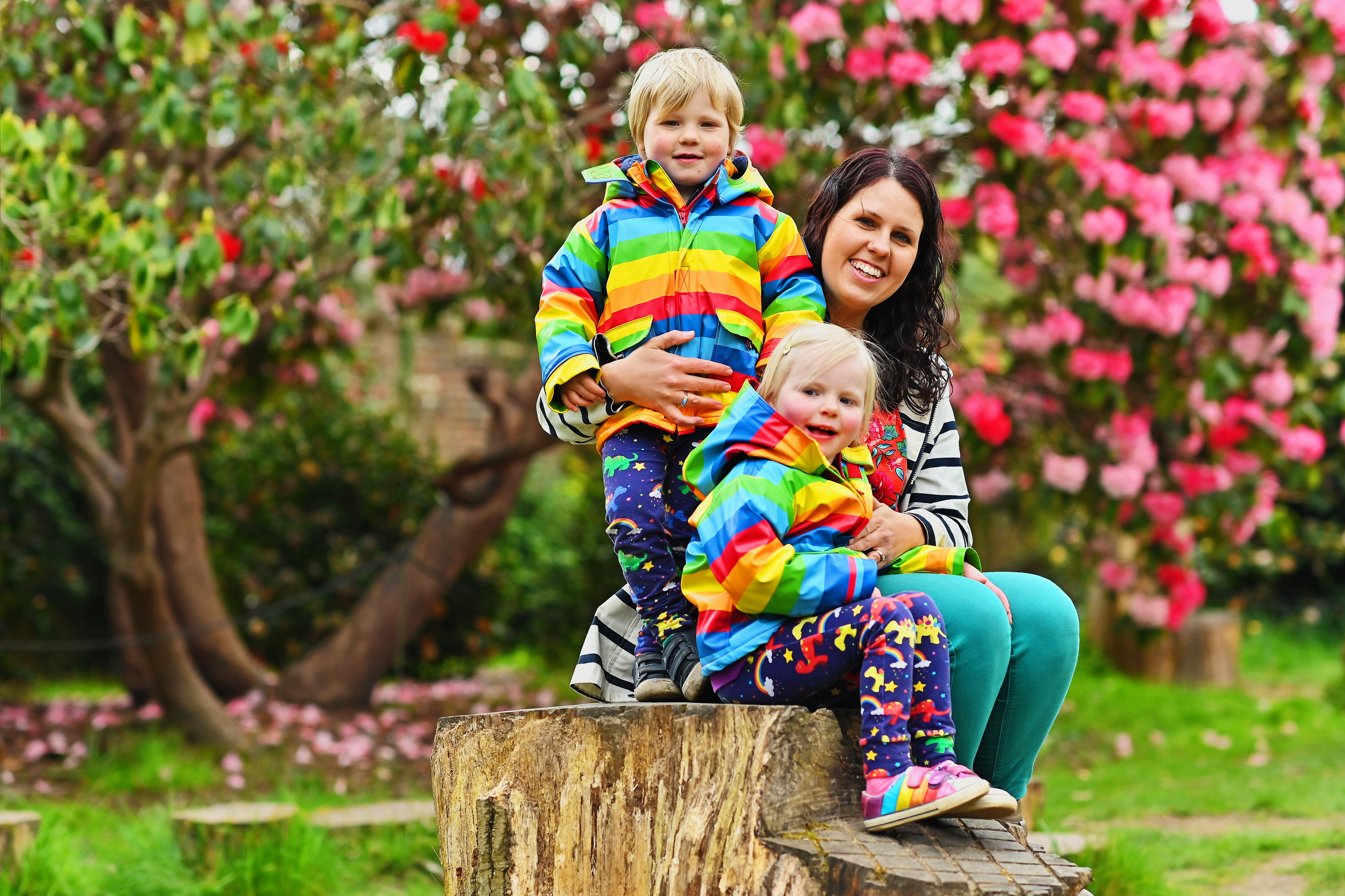 mum and colourful twins